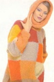 Связанный свитер спицами.
