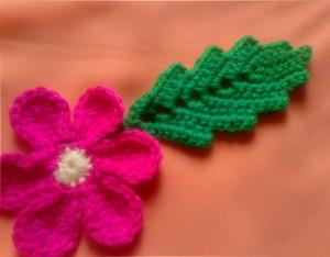 Листок с цветком