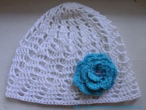 Связанная шапочка